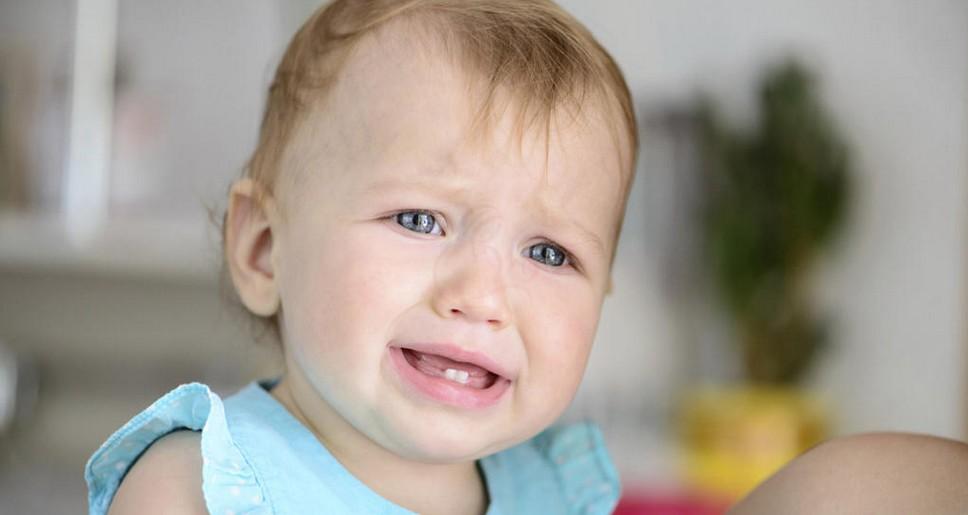 Ребёнок плачет из-за температуры 39℃ без других симптомов