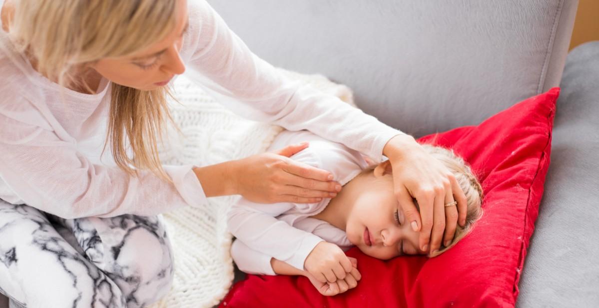Температура при менингите у ребёнка держится долго и не сбивается