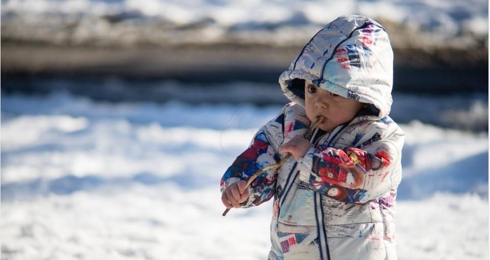 Прогулки с ребёнком и температура